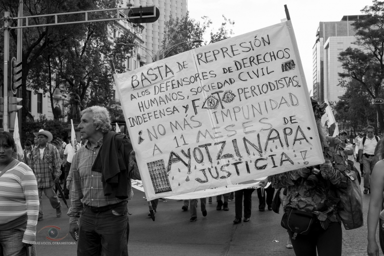 Galeria de fotos: XV Acción Global por Ayotzinapa