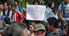 Marchan estudiantes del IPN contra la reforma al plan de estudios